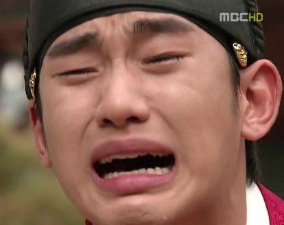 눈물 안습 우는 모습 울고있는 김수현 해품달 해를 품은 달 장면 왕 오열